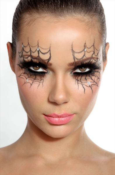 spiderweb-eyes-makeup